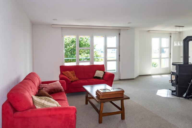 helle 4 zimmer wohnung mit blick ins gr ne. Black Bedroom Furniture Sets. Home Design Ideas